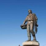 a-monument-to-fishermen-in-chioggia-2