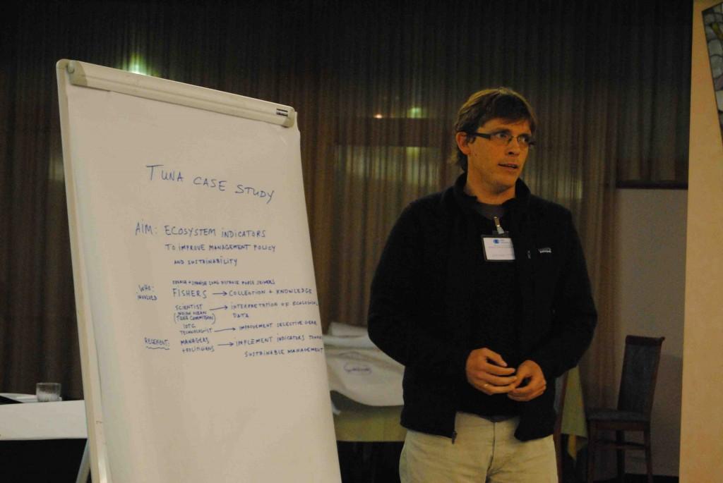 Jefferson Murua at the Social Science workshop © Tomaso Fortibuon